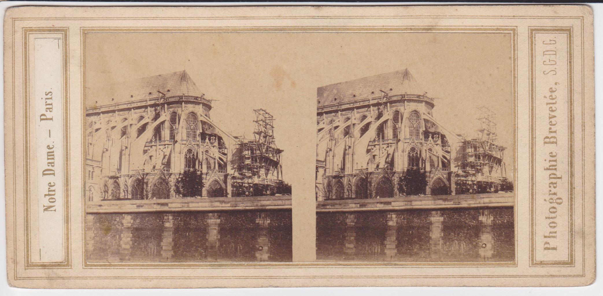 Stereo Notre Dame Parijs Moulin
